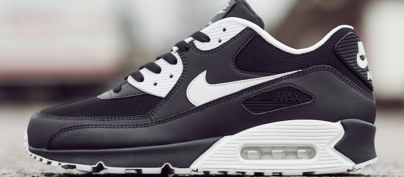 Black and White Air Max 90