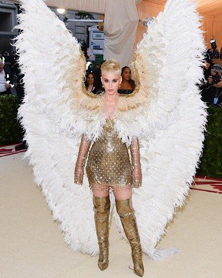 katy perry in angel wings met ball 2018