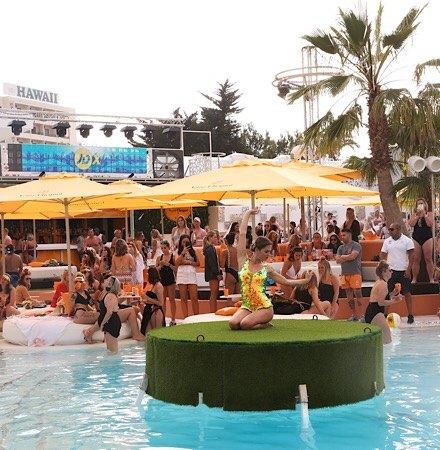pool party oceanbeach