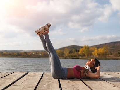 leg raising core exercise
