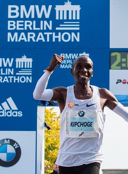 eluid Kipchoge winning Berlin marathon