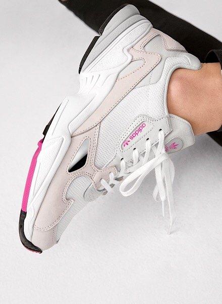 adidas Falcon branco e cor-de-rosa