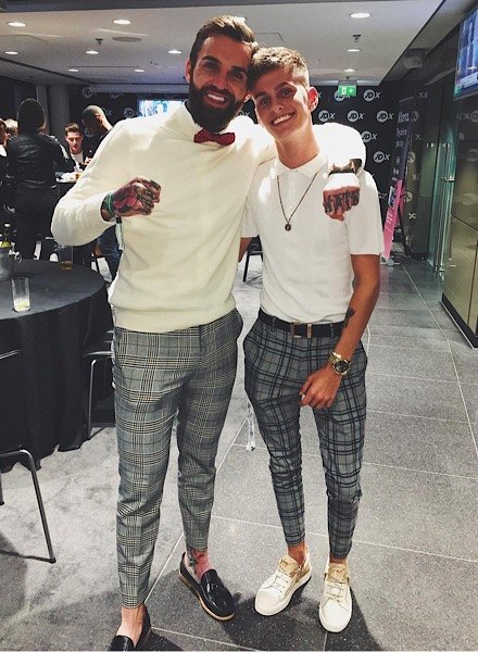 aaron chalmers and influencer