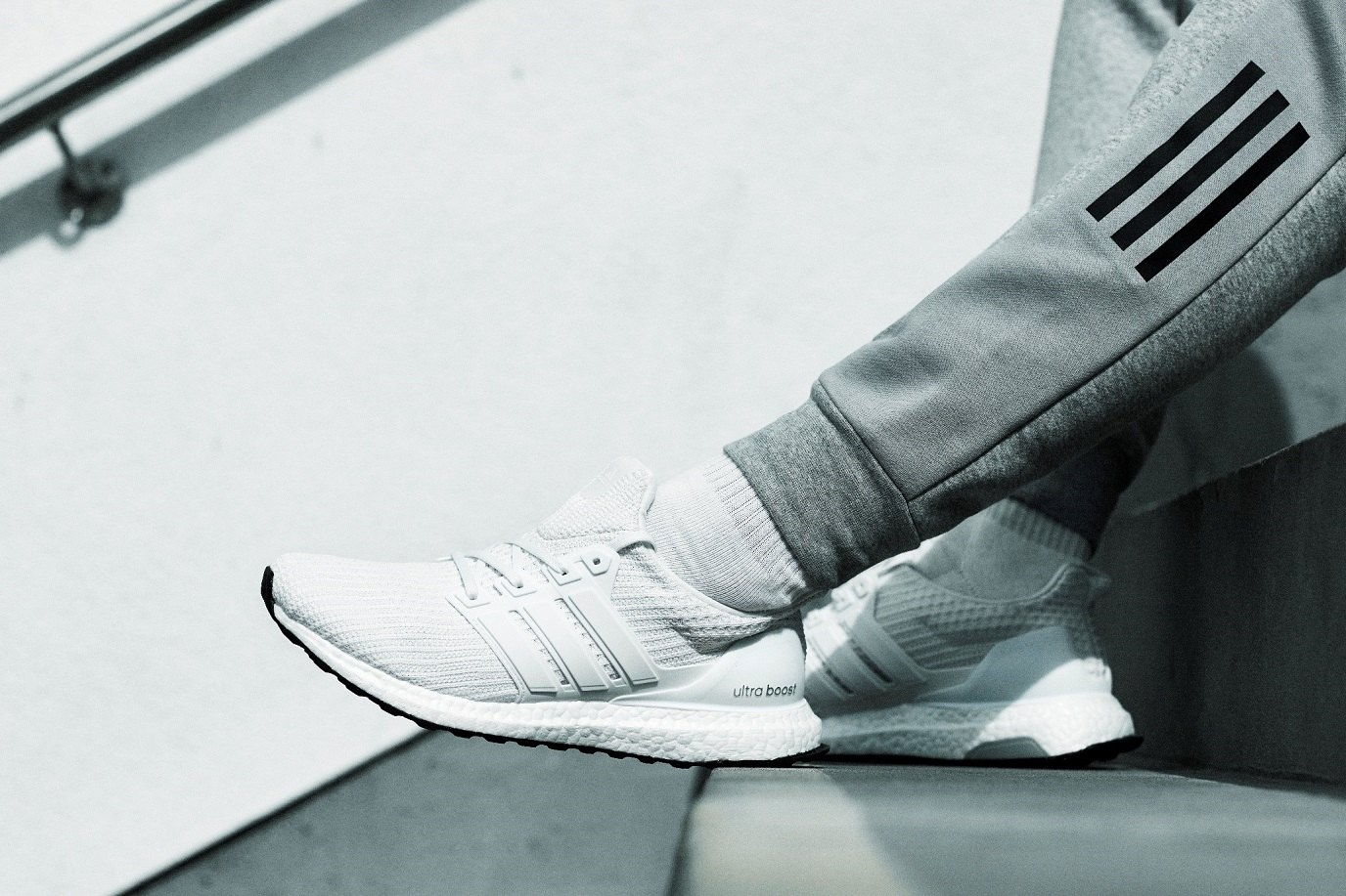 7483599af07 Dit betekent dat de midsole energie kan vasthouden en herstellen, in  tegenstelling tot andere sneakers geeft deze schoen een uitmuntende demping  en veert de ...