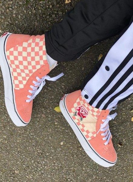 vans sk8 hi checkerboard pink