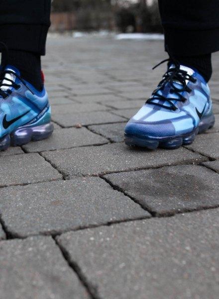 alex bowen in blue vapormax 2019