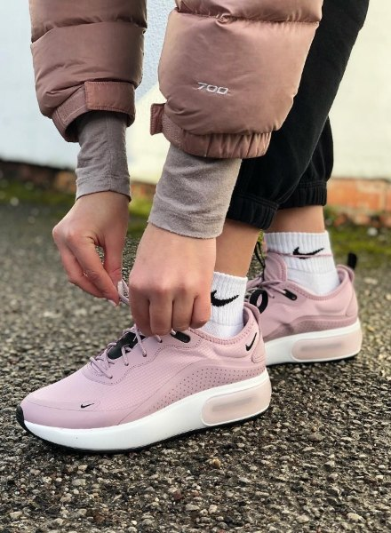 pink AM Dia