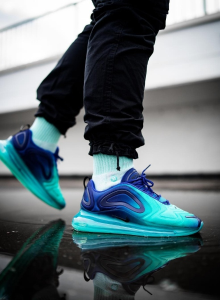 influencer wearing air max 720