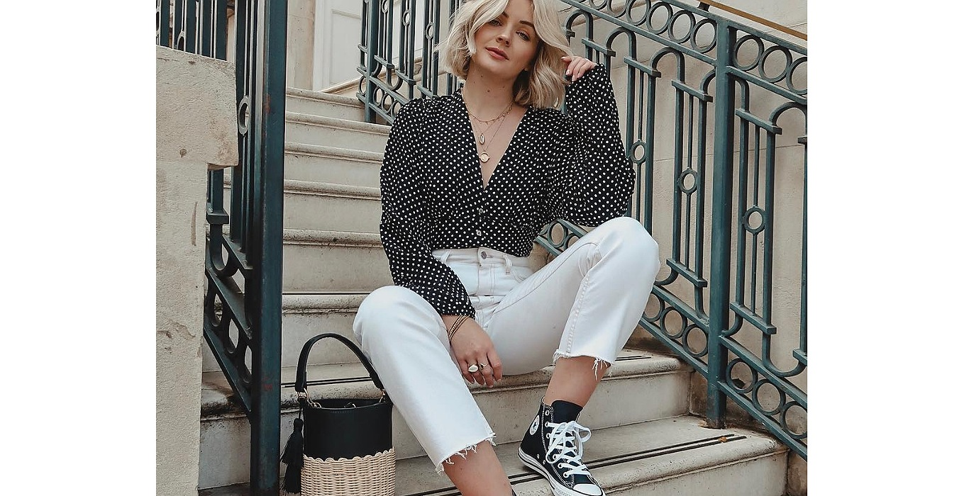 laura in converse all star